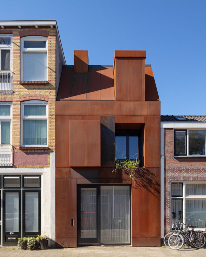 Steel Craft House reveals the design potential of corten steel
