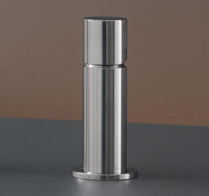 CAR16 - Deck mounted single handle mixer