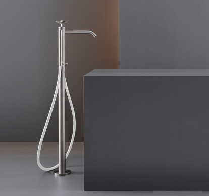 CRX27 - Free-standing progressive mixer for bathtub H. 870 mm with cylindrical hand shower Ø 18 mm