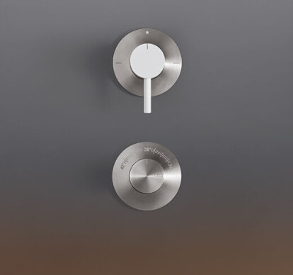 GAS09 - Thermostatic shower mixer set with 2 way diverter