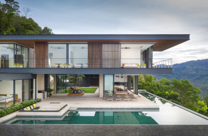 Panoramic cantilevered villa: Adrisa Residence