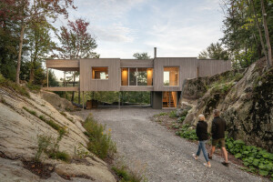 Natalie Dionne Architecture blends wooden house into its rugged natural surroundings