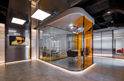 Dragon Child Studio Workplace Interior Design