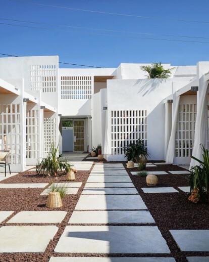 Meltem Beach & Rooms / Renovation Project