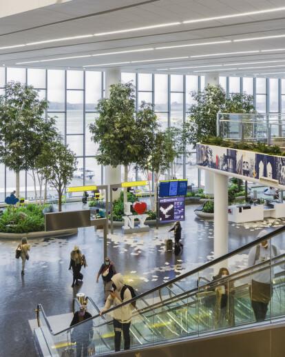 LaGuardia Airport Terminal B Concourse Parks