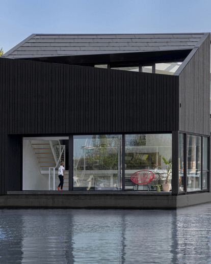 Floating village in Amsterdam North aims to be the most sustainable development of its kind