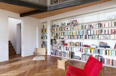La Casa Cantoniera – The red roadhouse