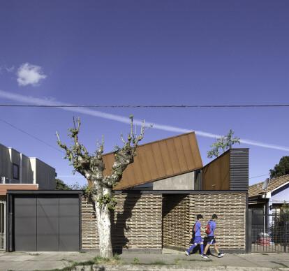 Lautaro House