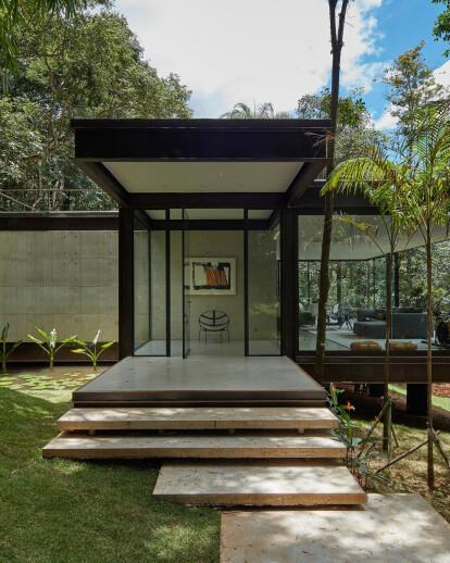 Glass House Brumadinho