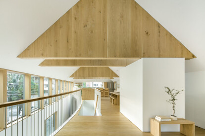 Chicago home flips conventional arrangements upside down