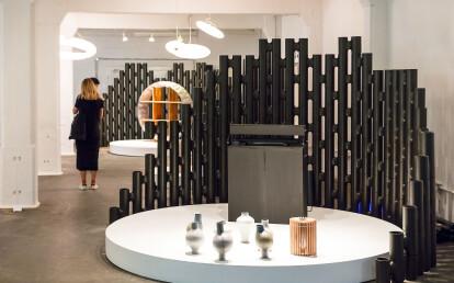 LINK modular room divider in black