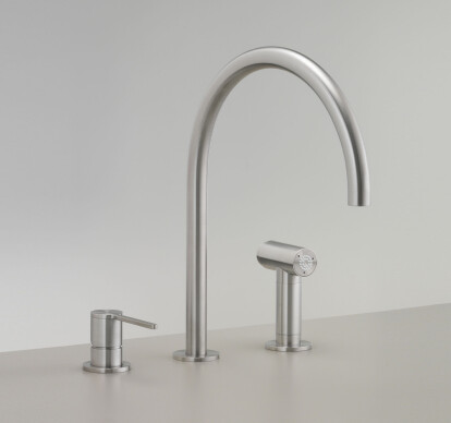 INV83 - Three-hole mixer with swivelling spout and pull-out hand shower with automatic undertop diverter