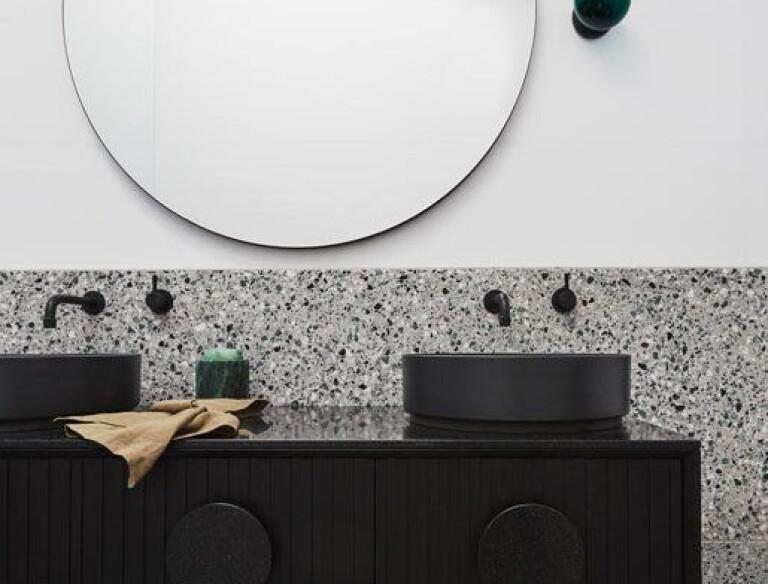 Articolo Solo Round Wall Sconce, Drunken Emerald Shade