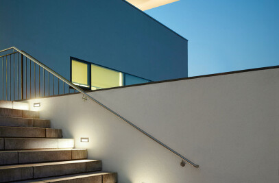 LED recessed luminaires for walls and staircases