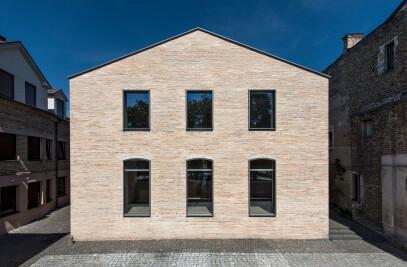 U36 House in a Bohemian Context