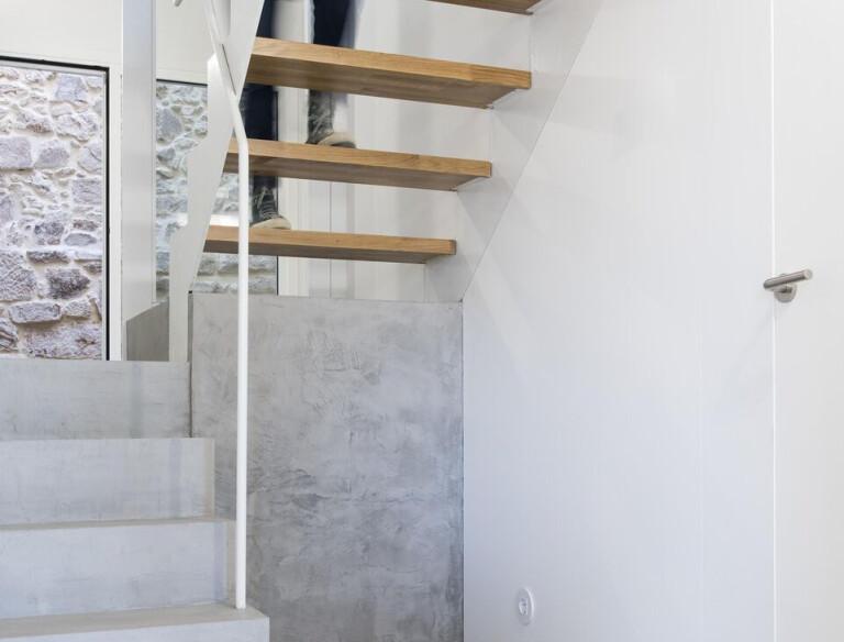 Stairs dwelling 01
