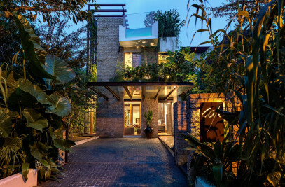"'Tan's Garden Villa"" – Merryn Road 40a"