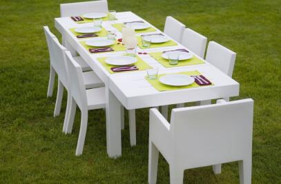 Jut table