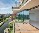 365 days a year: The Highline from Solarlux creates a smooth transition from indoors to outdoors with large glass fronts that can be almost completely opened.