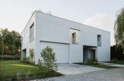 House M7