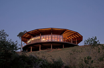 Round Timber Restaurant in Monteiro Lobato