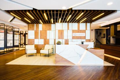 Reception + Lobby Area