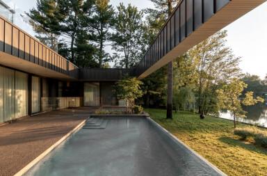 Residence de L'Isle reinterprets the Modern American mid-20th century home