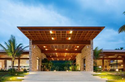 Laranjeiras Condominium (club and entrance)