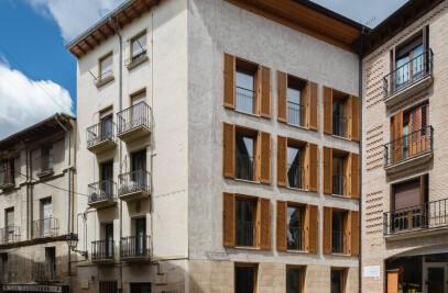 Three-apartment building
