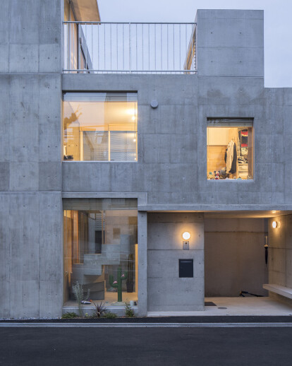 House in Kami-Ikebukuro