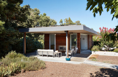 Sonoma Pool House and Guest House