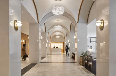 Marriott Château Champlain Hotel