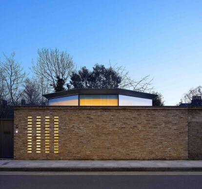 10 Redmans Road House