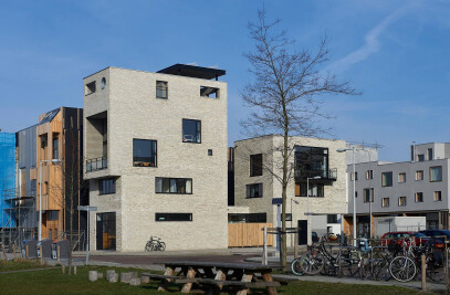 Vertical urban villa