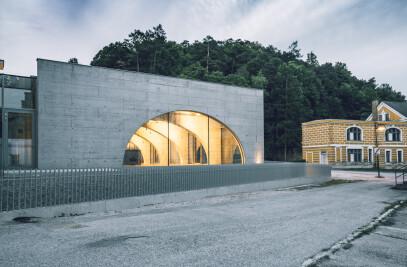 Glassalon Neuhaus