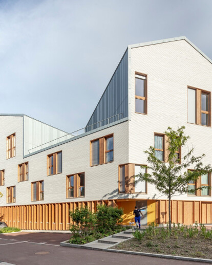 Residence for Students in Sceaux combines different program uses within a friend, bright and unified architectural whole