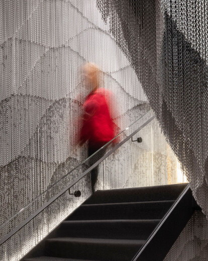 Kengo Kuma adds chain clad staircase to Gaudí's Casa Batlló