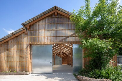Spacious new barn at Waterloo City Farm highlights the qualities of prefabricated timber frame construction