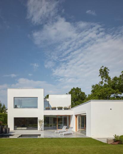 House Lhotka