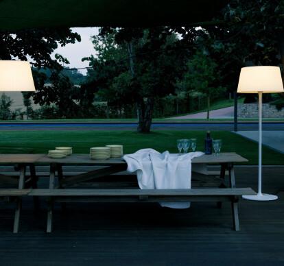 Plis Outdoor Floor Lamp