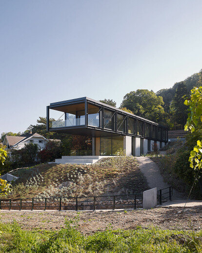 House in the vineyards