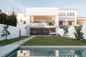 Alaro House