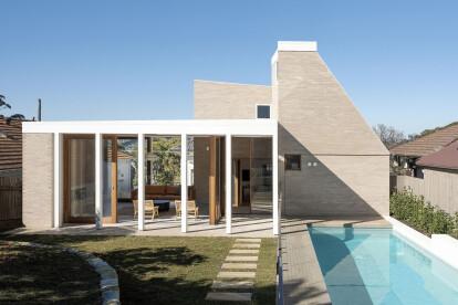 Sydney's Henley Clays renovation fuses natural and built landscapes