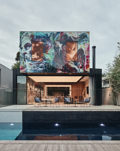 JARtB House in Melbourne a synthesis of house and art gallery
