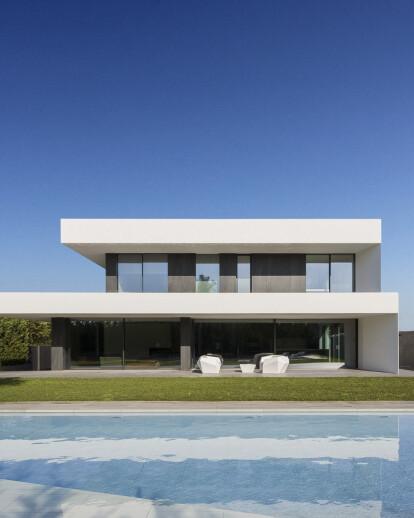 BUENO HOUSE