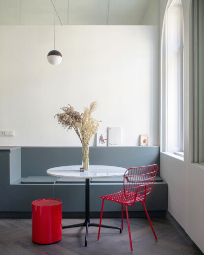 THE CUBE APARTMENT