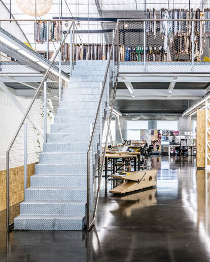 Reform of an industrial building in offices