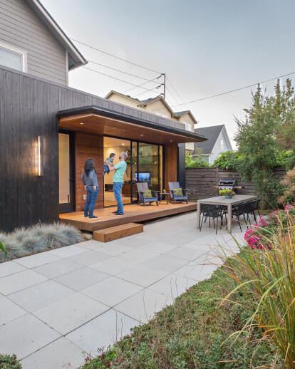 Garden Bridge – Modern Addition